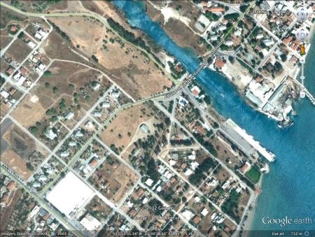 Isthmia Canal Houses